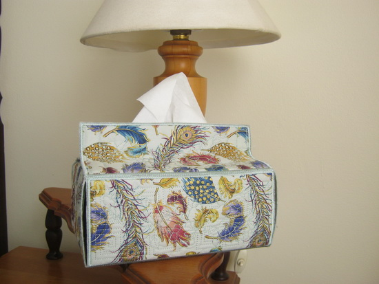 CE795 - Quilted Tissue-Box Cover